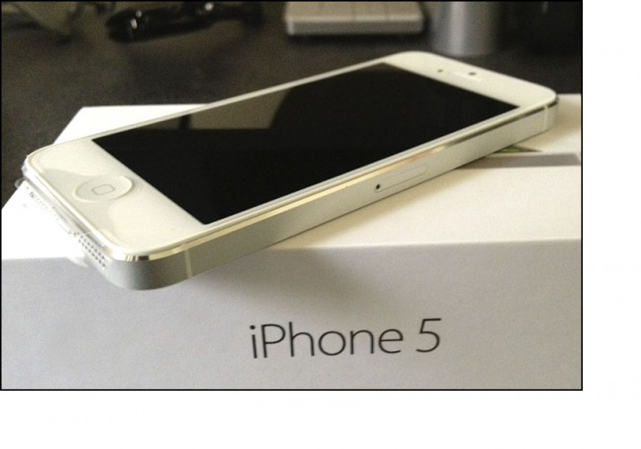 Apple iPhone 5 with Box